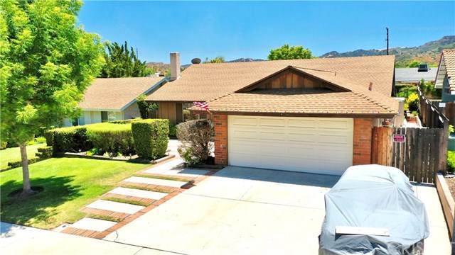 24336 Jennifer Place, Newhall, CA 91321 (#SR20130752) :: Sperry Residential Group