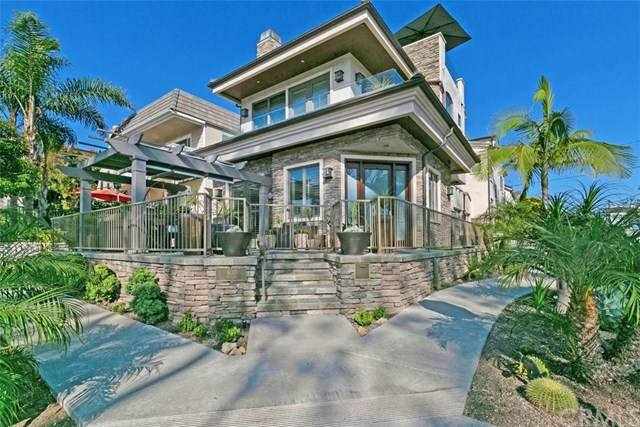 600 Avocado Avenue, Corona Del Mar, CA 92625 (#OC20121478) :: Pam Spadafore & Associates