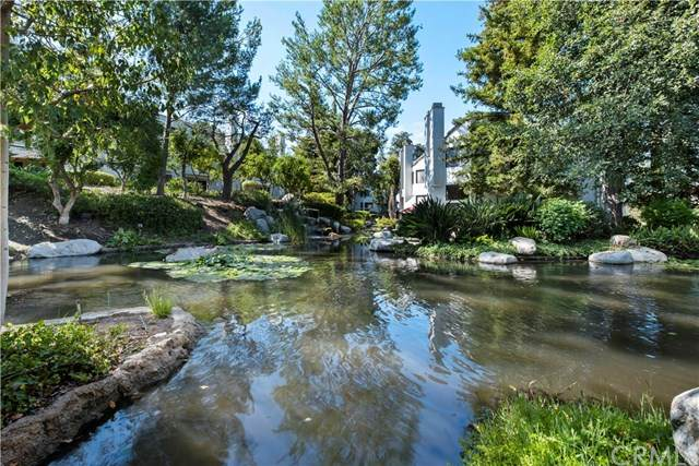 5846 E Creekside Avenue #32, Orange, CA 92869 (#PW20156476) :: Allison James Estates and Homes