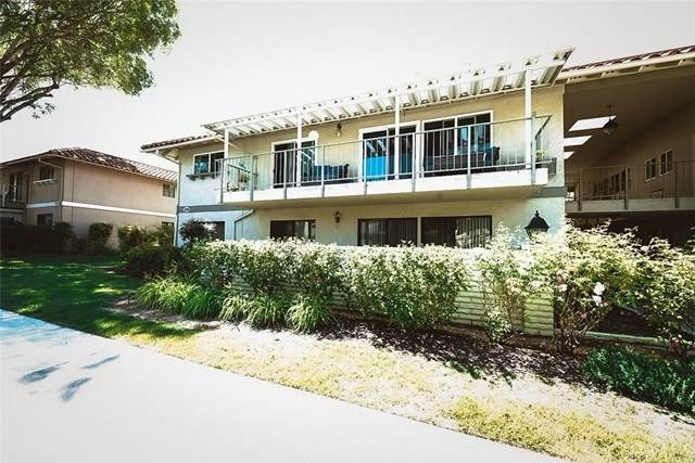 2098 Ronda Granada B, Laguna Woods, CA 92637 (#CV20163787) :: Team Forss Realty Group