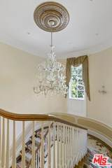 10 Beverly Parkway - Photo 12