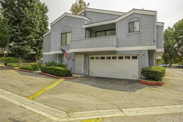 13071 Hubbard Street #6, Sylmar, CA 91342 (#SR20179453) :: Re/Max Top Producers