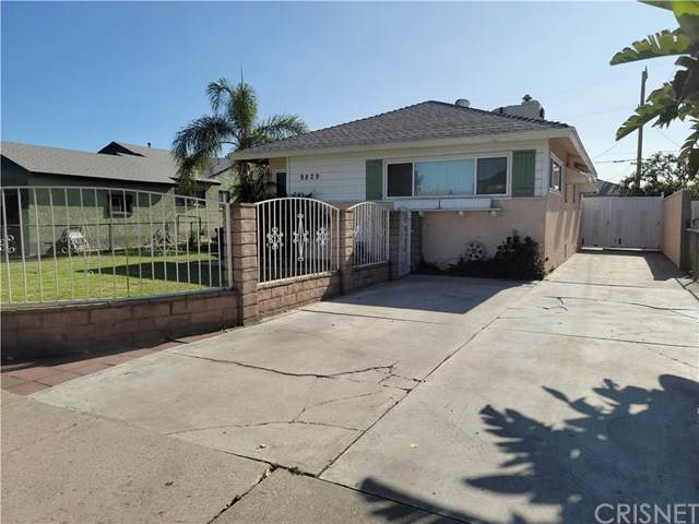 9829 Stanwin Avenue, Arleta, CA 91331 (#SR20176376) :: The Laffins Real Estate Team