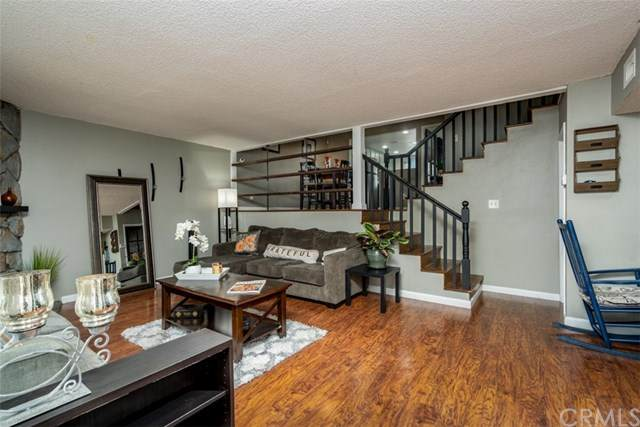 2687 Milton Avenue #9, Fullerton, CA 92831 (#OC20193009) :: The Laffins Real Estate Team