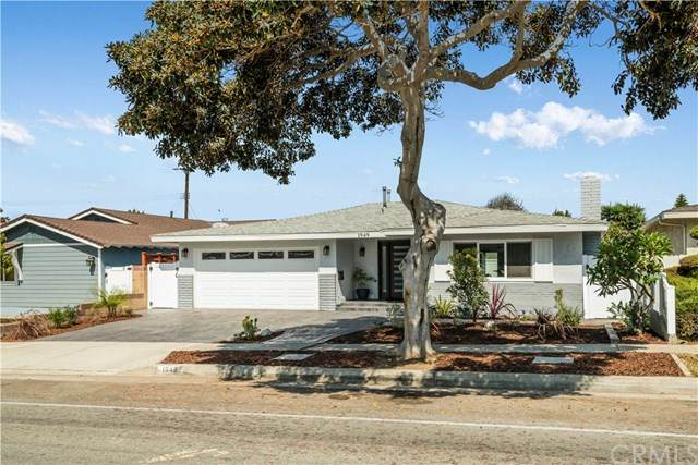1949 W 235th Street, Torrance, CA 90501 (#SB20194896) :: The Parsons Team