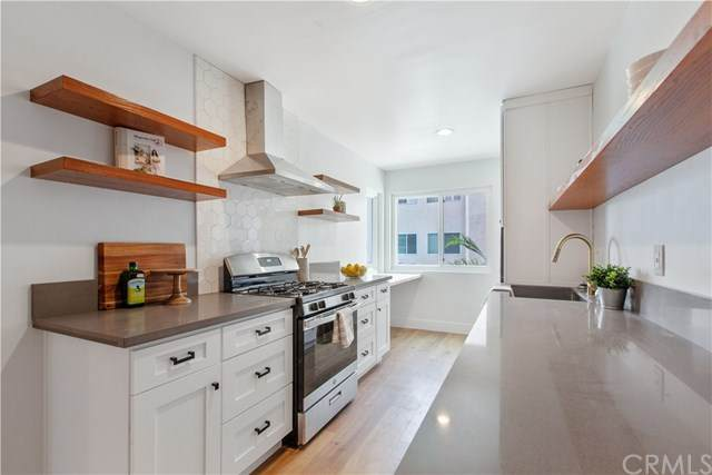 358 Gramercy Place - Photo 1
