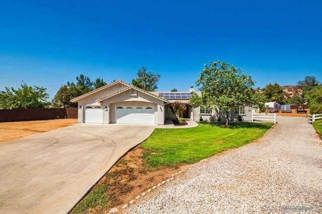 790 Sunny Hills Ct, Ramona, CA 92065 (#200046486) :: The Najar Group