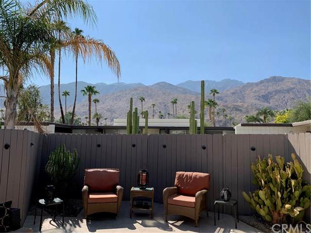 1111 E Palm Canyon Drive #331, Palm Springs, CA 92264 (#OC20200987) :: Team Forss Realty Group