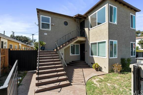 1977 Pine Avenue, Long Beach, CA 90806 (#PW20212923) :: Team Forss Realty Group