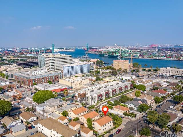 839 S Centre Street, San Pedro, CA 90731 (#SB20207112) :: The Miller Group