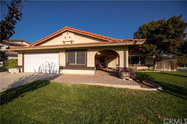 1155 S Spruce Avenue, Bloomington, CA 92316 (#IV20221443) :: Team Forss Realty Group