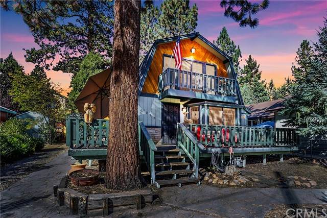 1077 Sequoia Drive, Big Bear, CA 92314 (#EV20224047) :: TeamRobinson | RE/MAX One