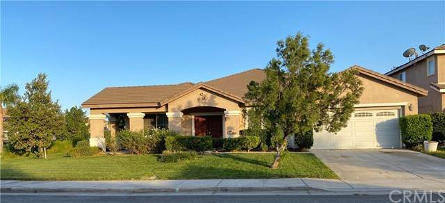 6986 Lancelot Drive, Eastvale, CA 92880 (#IV20225949) :: RE/MAX Masters