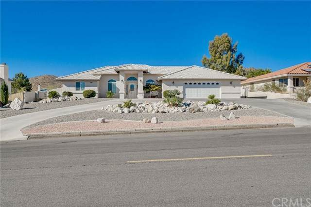 18570 Kamana Road, Apple Valley, CA 92307 (#CV20226926) :: RE/MAX Masters