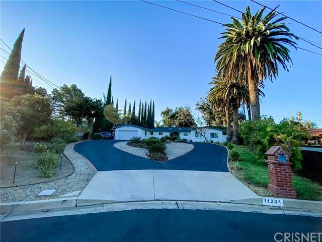 11241 Balcom Avenue, Granada Hills, CA 91344 (#SR20228089) :: Team Forss Realty Group