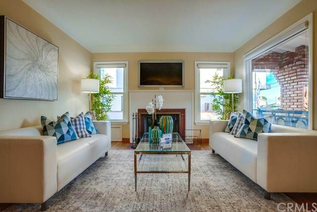 1370 W Santa Cruz Street, San Pedro, CA 90732 (#SB20222526) :: American Real Estate List & Sell