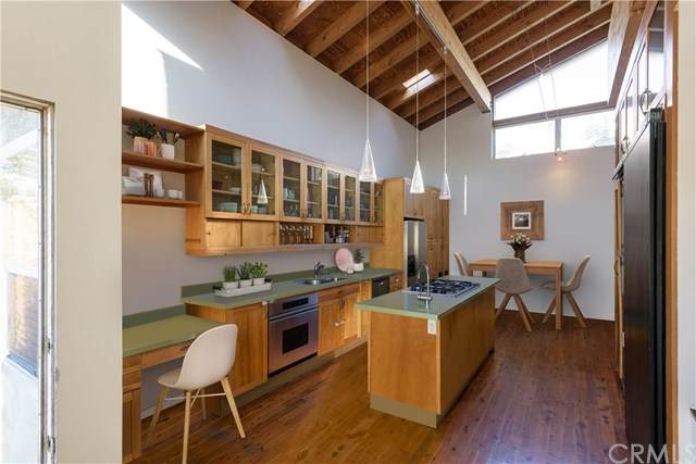 824 7th Street, Hermosa Beach, CA 90254 (#SB20226690) :: Bathurst Coastal Properties