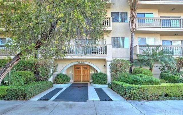 5400 Lindley Avenue #121, Encino, CA 91316 (#SR20246470) :: The Veléz Team