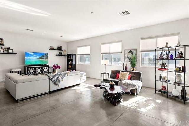 435 W Center Street Promenade #419, Anaheim, CA 92805 (#PW20249429) :: Better Living SoCal