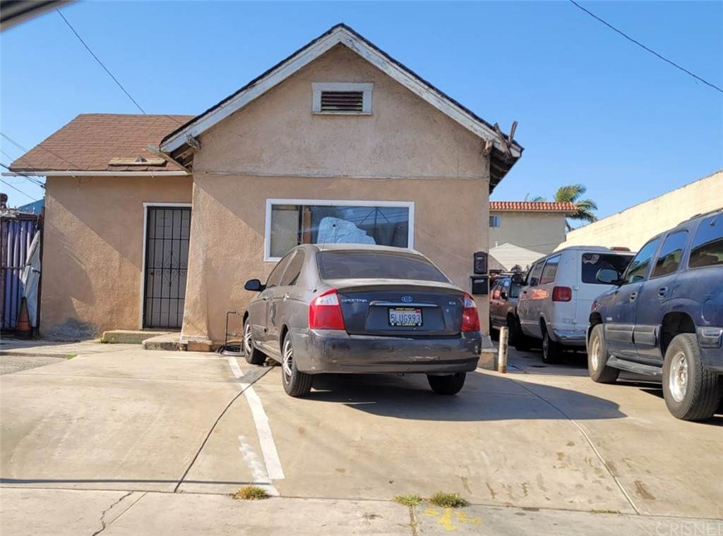 4605 Imperial - Photo 1