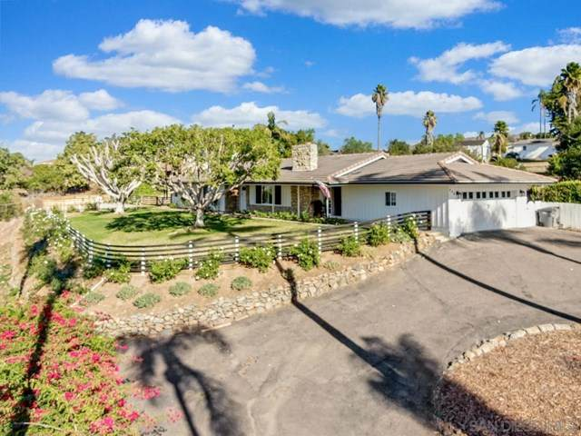 366 Skyline Dr, Vista, CA 92084 (#210001001) :: The Alvarado Brothers