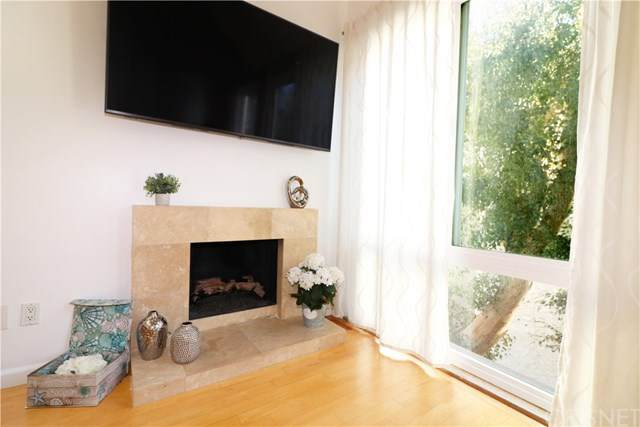 3422 Schooner Avenue #8, Marina Del Rey, CA 90292 (#SR21010011) :: Blake Cory Home Selling Team