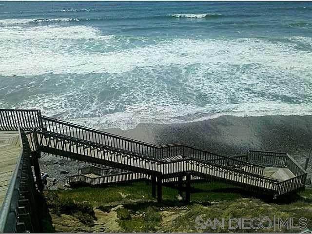 6550 Ponto Drive #9, Carlsbad, CA 92011 (#210002088) :: eXp Realty of California Inc.