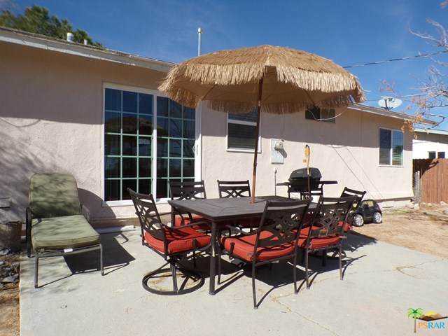 5447 Daisy Avenue, 29 Palms, CA 92277 (#21690770) :: Power Real Estate Group
