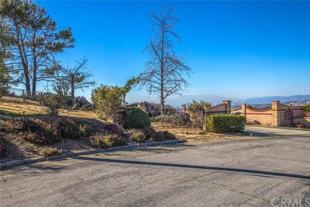 37475 Valgio Drive, Calimesa, CA 92320 (#EV21039361) :: A|G Amaya Group Real Estate