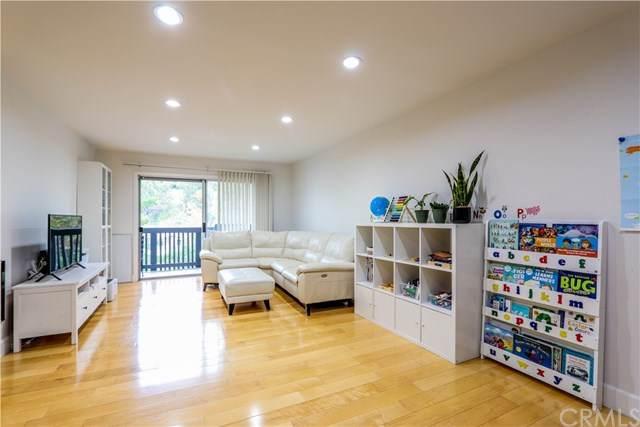 3604 W Estates Lane #209, Rolling Hills Estates, CA 90274 (#PW21076315) :: Go Gabby