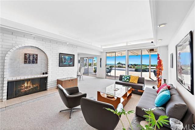 2501 Blue Water Drive, Corona Del Mar, CA 92625 (#NP21071384) :: The Marelly Group | Compass