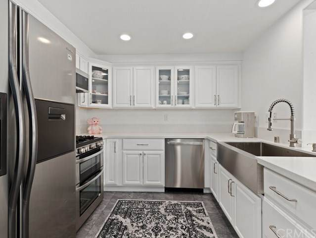 27015 Karns Court #1101, Canyon Country, CA 91387 (#BB21079028) :: The Brad Korb Real Estate Group