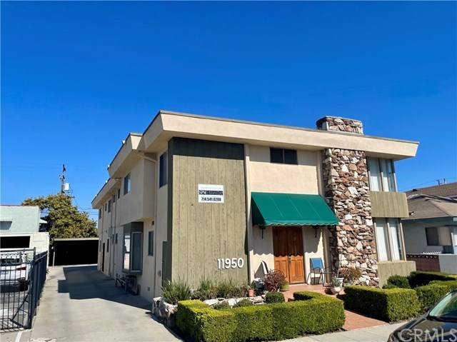 11950 Acacia Avenue, Hawthorne, CA 90250 (#SB21081009) :: Mainstreet Realtors®