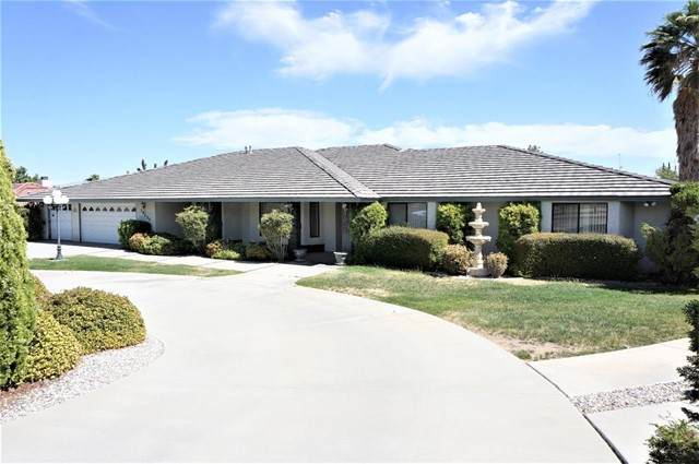 20253 Wadena Road, Apple Valley, CA 92308 (#534527) :: Holmes Muirhead Team at Reviron Realty