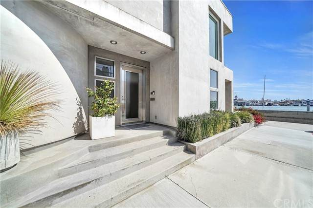 512 Bay Front - Photo 1
