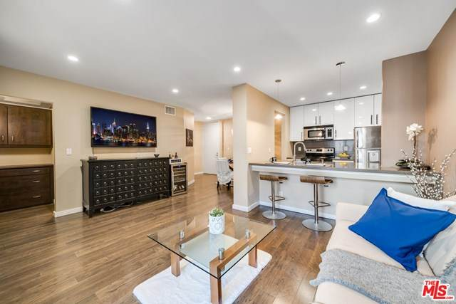 141 S Clark Drive #316, West Hollywood, CA 90048 (#21727290) :: Team Forss Realty Group