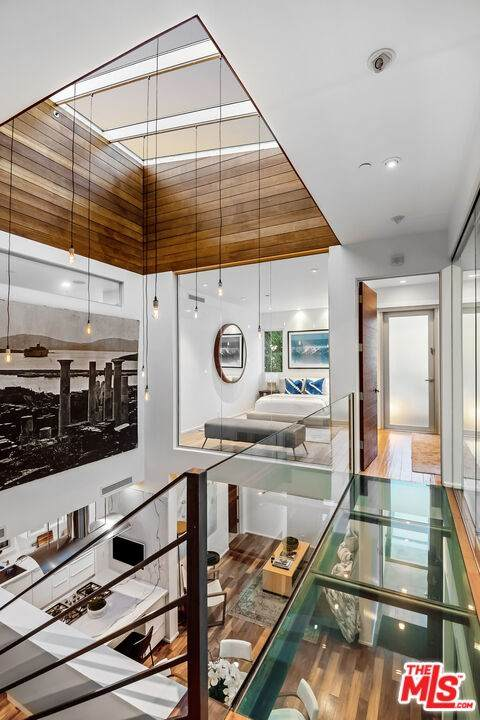 719 N Huntley, West Hollywood, CA 90069 (#21727512) :: Powerhouse Real Estate