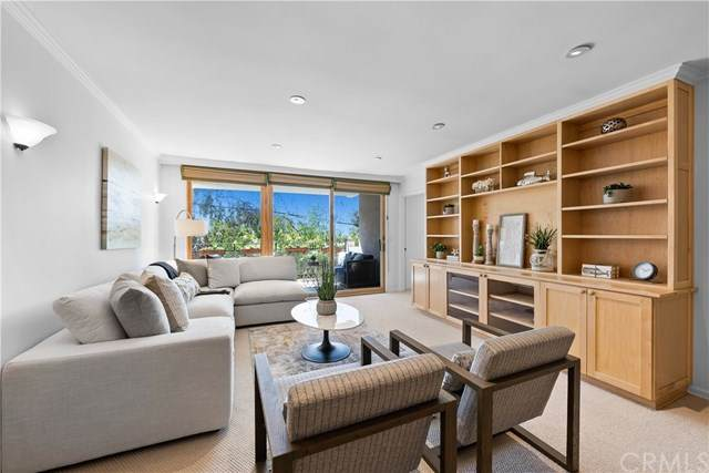 289 S Barrington Avenue A207, Los Angeles (City), CA 90049 (#SB21094180) :: Amazing Grace Real Estate | Coldwell Banker Realty