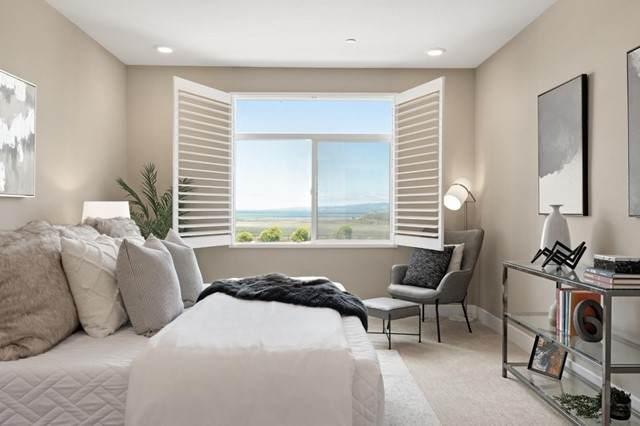 400 Mariners Island Boulevard #207, San Mateo, CA 94404 (#ML81842260) :: Eight Luxe Homes