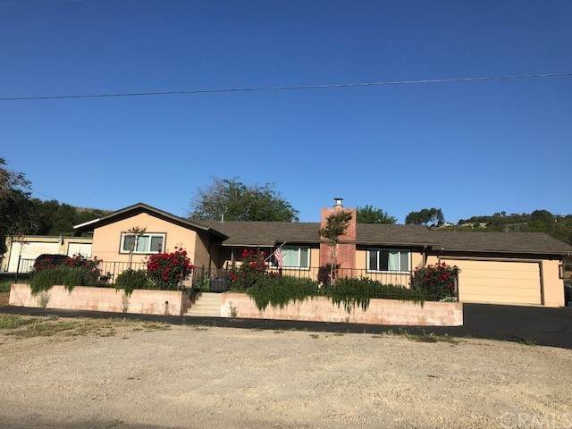 945 Merry Hill Road, Paso Robles, CA 93446 (MLS #NS21095465) :: Desert Area Homes For Sale