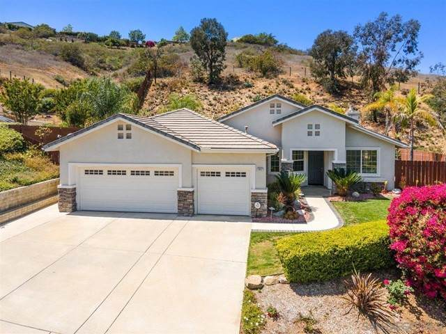 1947 Ridge Way Gln, Escondido, CA 92029 (#210011986) :: Power Real Estate Group