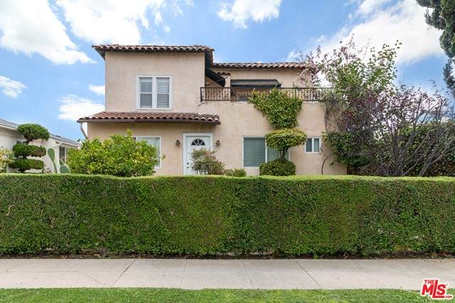 3104 S Beverly Drive, Los Angeles (City), CA 90034 (#21727496) :: Mark Nazzal Real Estate Group