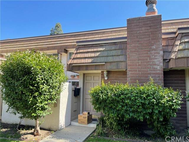 22206 Germain Street #5, Chatsworth, CA 91311 (#IV21098109) :: The Brad Korb Real Estate Group