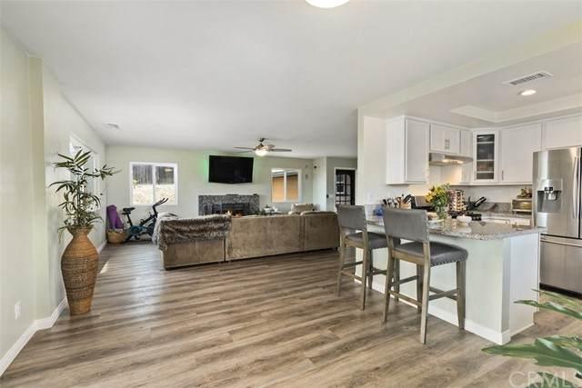 436 Victoria Place, Vista, CA 92084 (MLS #SW21089887) :: Desert Area Homes For Sale