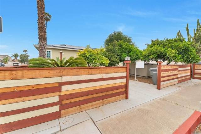 1096 7th Street, Imperial Beach, CA 91932 (#PTP2103168) :: Wahba Group Real Estate | Keller Williams Irvine