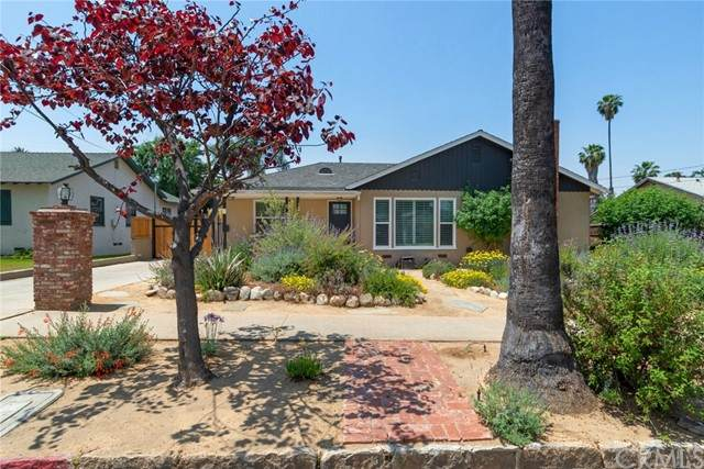 542 Roosevelt Road, Redlands, CA 92374 (#EV21102201) :: McKee Real Estate Group Powered By Realty Masters & Associates