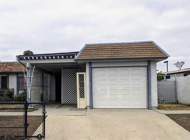 307 Calle Montecito, Oceanside, CA 92057 (#NDP2105315) :: Mainstreet Realtors®