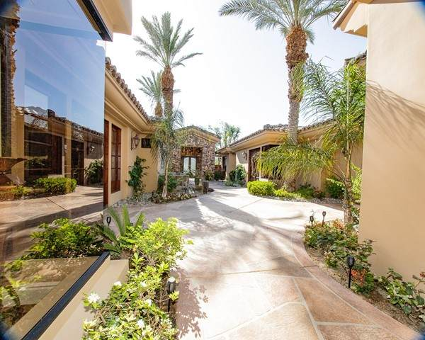 57750 Troon Way, La Quinta, CA 92253 (#219062018DA) :: The Results Group