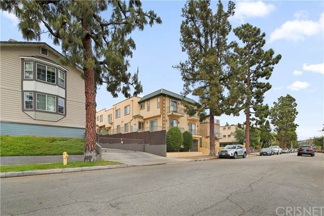 2345 Mira Vista Avenue #102, Montrose, CA 91020 (#SR21101950) :: The Parsons Team