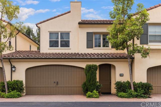 32 Maycrest #70, Irvine, CA 92618 (#OC21106944) :: Team Forss Realty Group